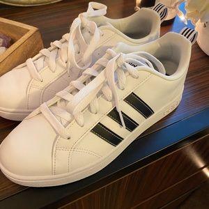 Adidas VS Advantage Sneakers